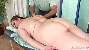 Chubby Girl Gets A Massage And The Ass And Gets Fucked
