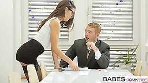 Babes - Office Obsession - Avery Chavez