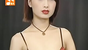 Taiwan Girl with Sexy Lingerie Show