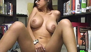 Mia khalifa plays in the library